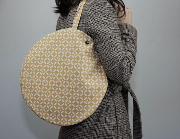 tuto couture pour réaliser votre sac rond en coton enduit Fleur de Soleil